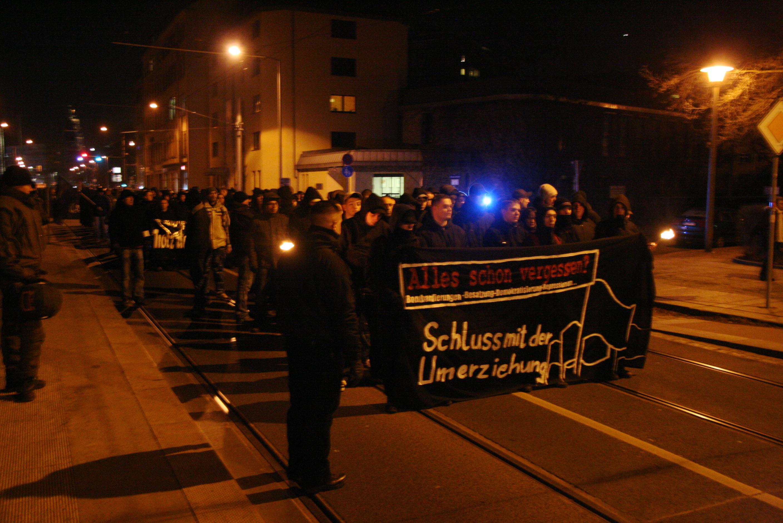 Fackelzug der Neonazis in Dresden